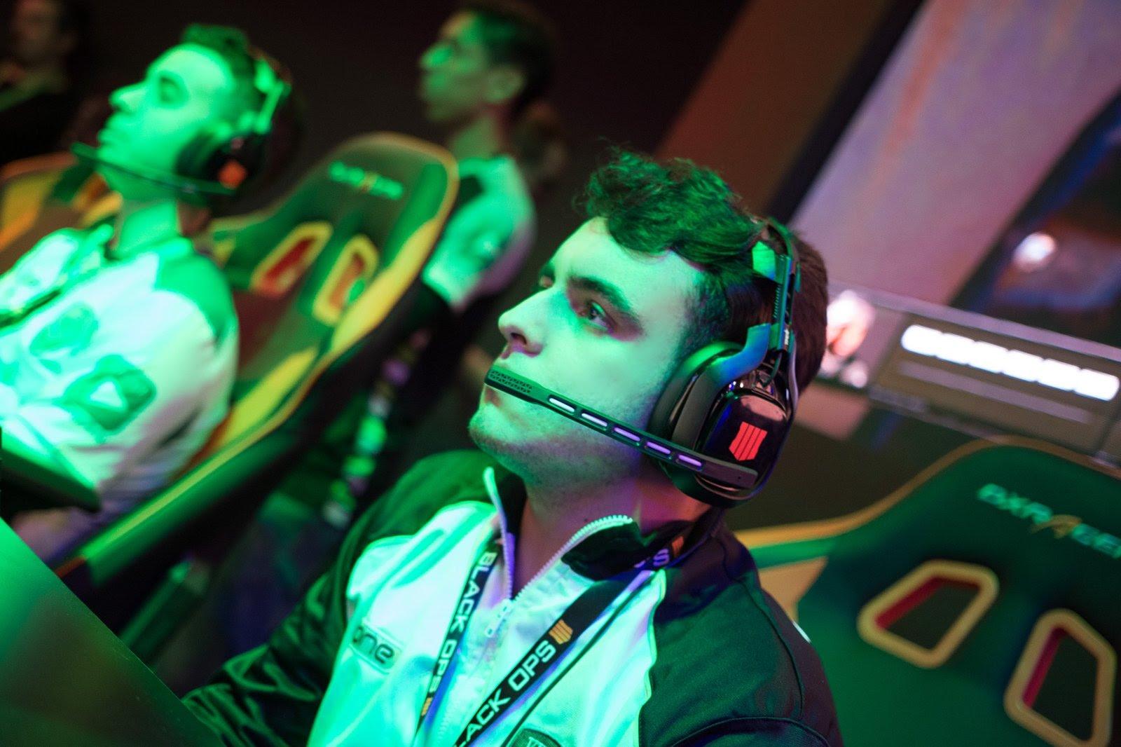 """Gabriel """"EliTz"""" Robles - jogador profissional de Call of Duty - Foto: Arquivo Pessoal/Gabriel """"EliTz"""" Robles"""