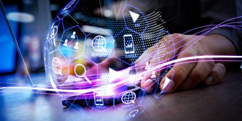 Estudo da ComSchool estima que há mais de 30 mil vagas abertas no mercado digital brasileiro