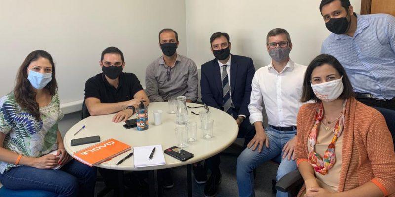 Divulgação Assespro-PR Reunião entre diretores da Assespro-PR e parlamentares na Câmara de Curitiba